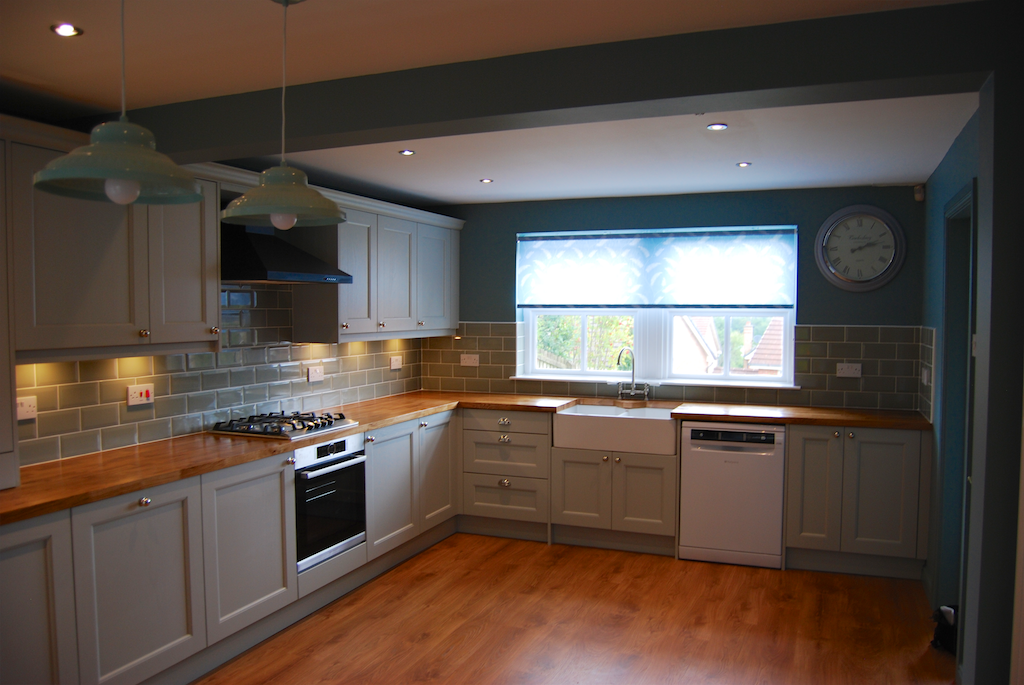 Kitchens east kilbride glasgow family run kitchen for Suggested kitchen layouts